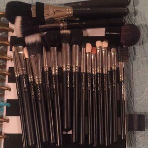 MAC Makeup Brushes - 20